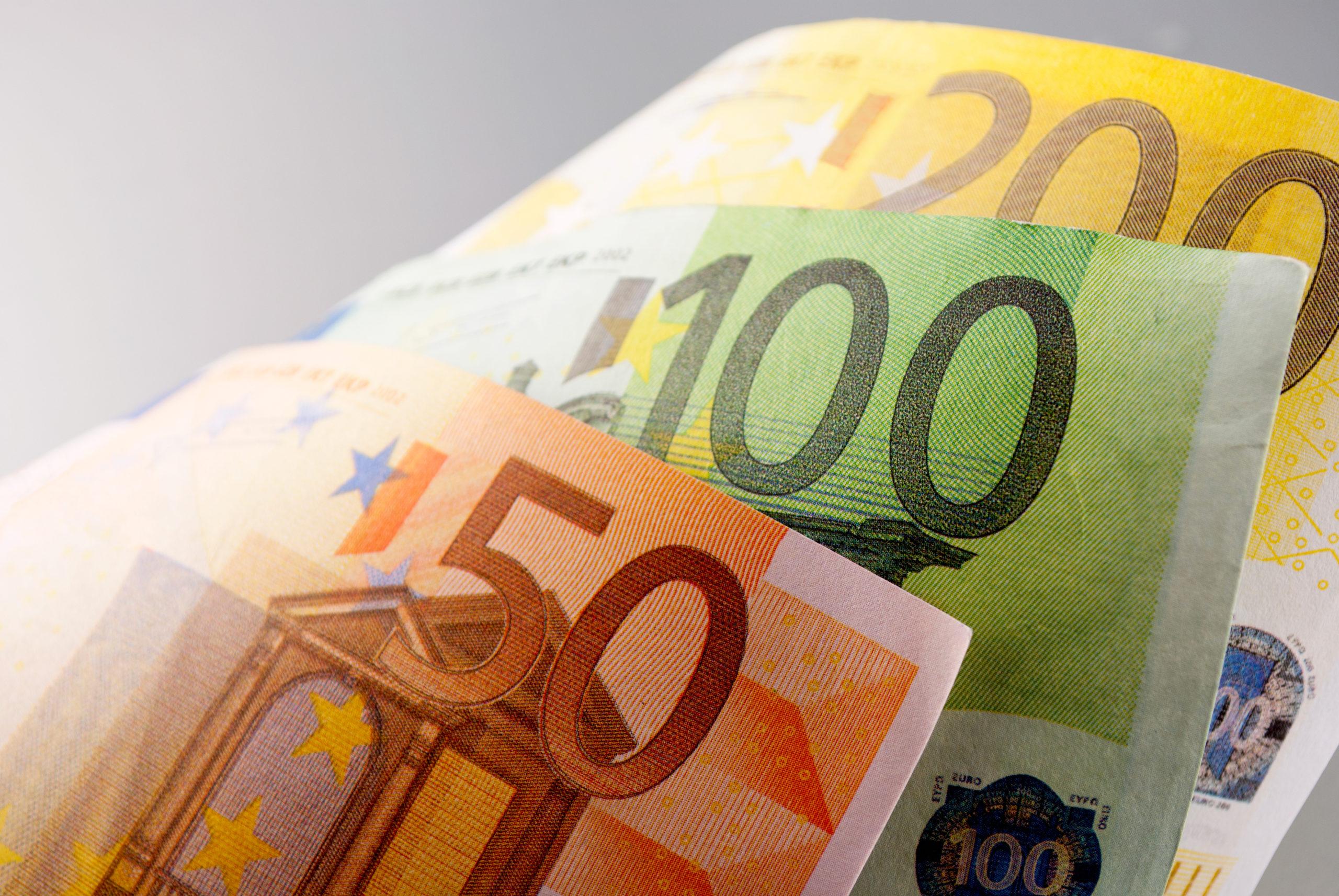 10 Consells per estalviar gairebé 5000€ en la Declaració de la Renta 2020